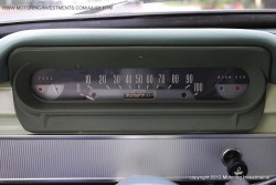 Ford_Cortina_1962_gauges
