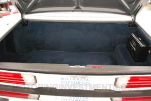 Mercedes 560SL trunk photo