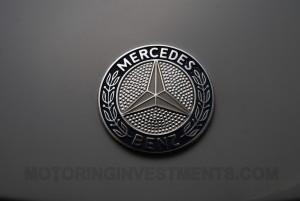 Mercedes 560SL hood badge