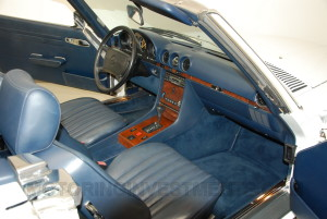 1989-mercedes-560sl-interior-2