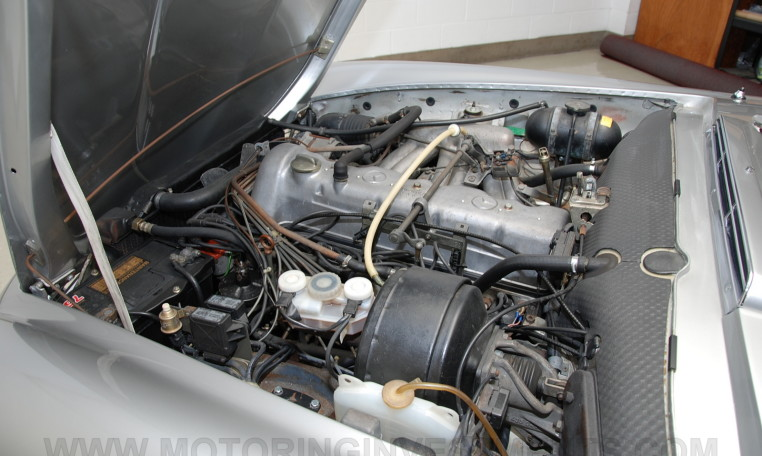 1971 Mercedes 280SL engine bay