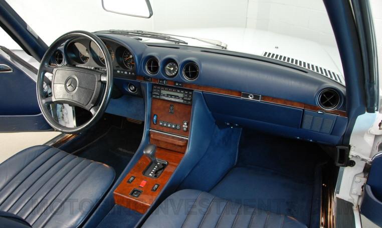 Image, blue leather interior, original Mercedes 560SL