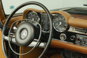 280SL-interior-dash-2