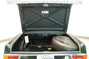 280SL-trunk-floor-1