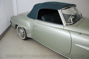 1959-Mercedes-190SL-17