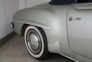 1959-Mercedes-190SL-18