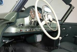 1959-Mercedes-190SL-35
