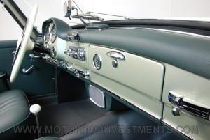 1959-Mercedes-190SL-39