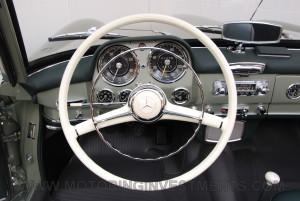 1959-Mercedes-190SL-50