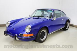 1970 Porsche 911T coupe, Albert blue, left front shot