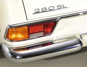 1971-Mercedes-280SL-Details-24