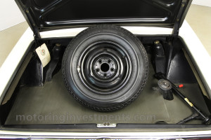 1971-Mercedes-280SL-Trunk-5
