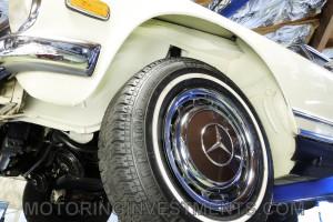 1971-Mercedes-280SL-Undercarriage-18
